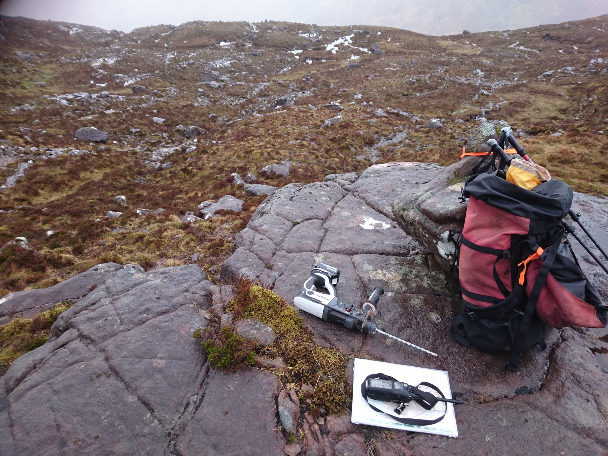 Monitoring red deer on Liathach using remote cameras
